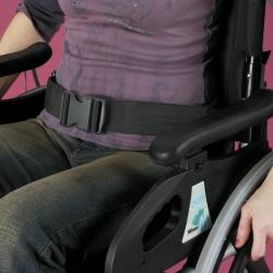 Sangle avec boucle pour fauteuil roulant